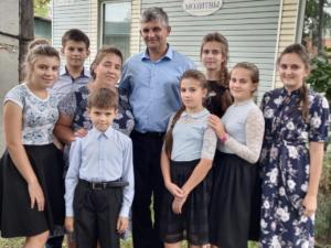 Необходима молитвенная поддержка семье Устиновых